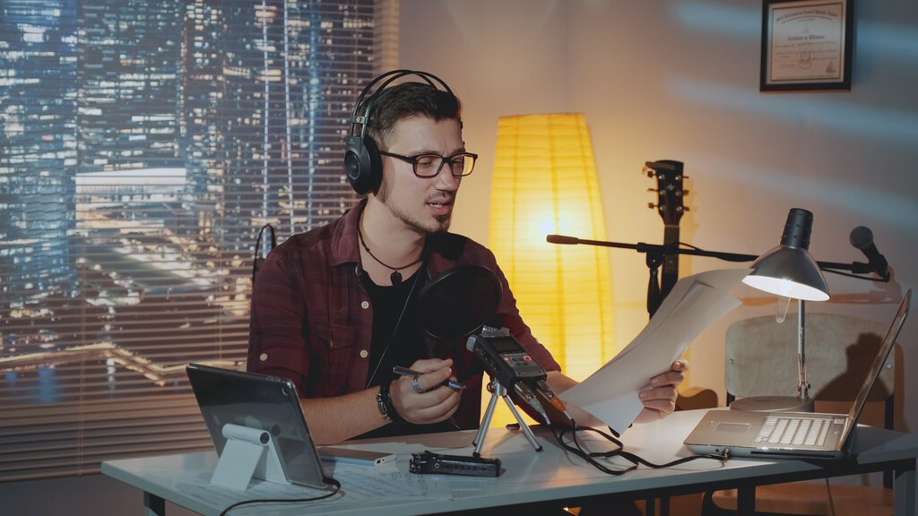 How to Become an Audiobook Narrator and Work From Home